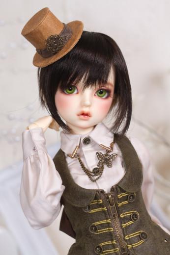 lorina-8877