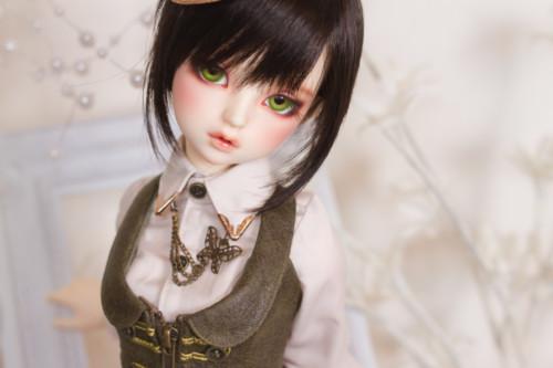 lorina-8940